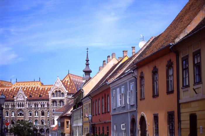 Buda_Castle_street
